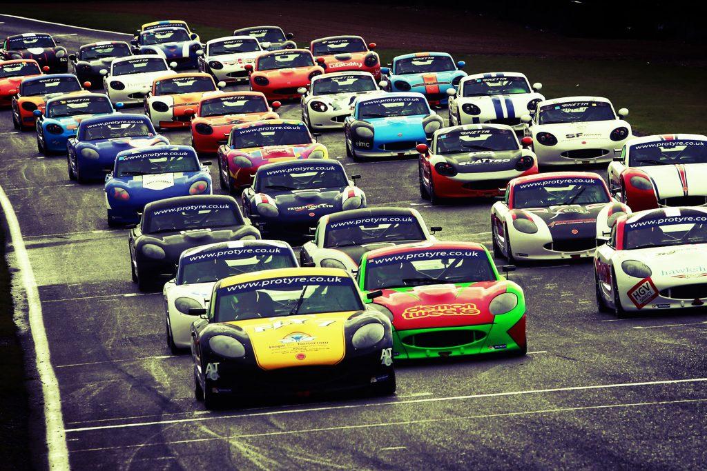 Start of Race 1 Ollie Chadwick (GBR) Xentek Motorsport Ginetta G40 leads